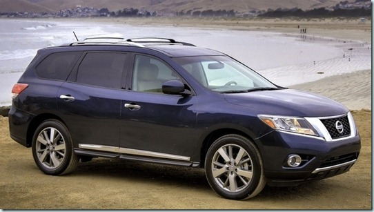 New-2013-Nissan-Pathfinder-SUV-side